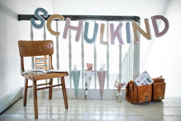 """Girlande mit Text """"Schulkind"""", pastell"""
